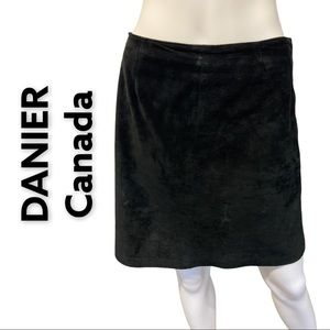 DANIER Canada Natural Suede Leather Black Skirt 6